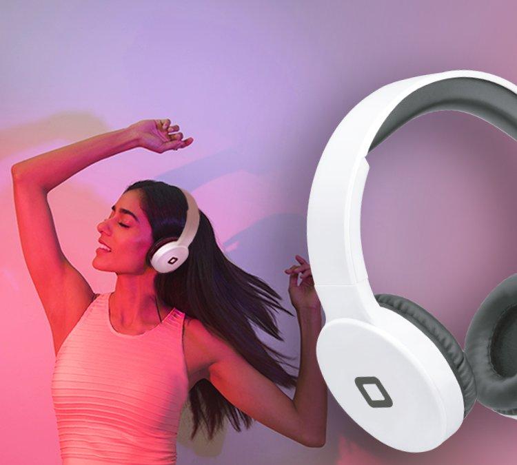 Foldable wireless headphones